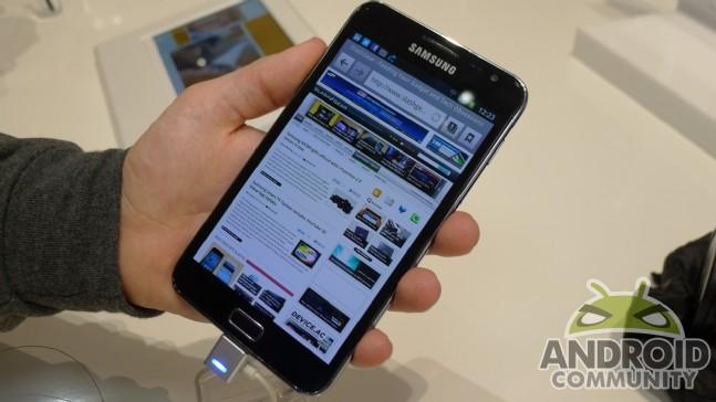 Samsung galaxy note 2 özellikleri, bu telefonu almak isteyenleri hayran bırakacak teknolojiye sahip
