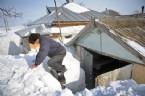 ROMANYA - Romanya'da köyler 5 metrelik karın altında