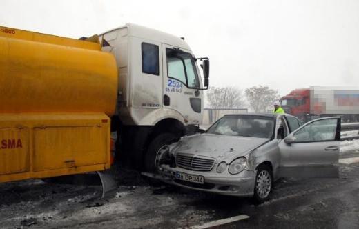 ismail tamer - Milletvekillerinin Aracı Kaza Yaptı