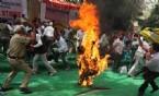 YENI DELHI - Protesto İçin Kendini Yaktı