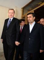İki Lider Basının Önüne Elele Çıktı
