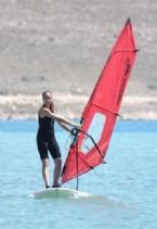 AZRA AKIN - Azra Akının Sörf Merakı
