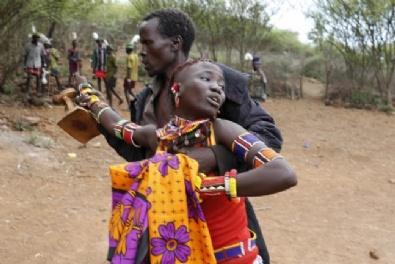 UGANDA - Korkunç Gelenek