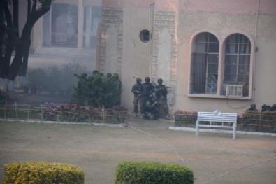 Pakistan'da Okula Silahlı Baskın: 141 Ölü