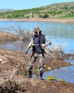 GÖKTÜRK - Okla Balık Avlıyor