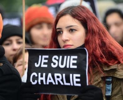 Paris'te Cumhuriyet Yürüyüşü