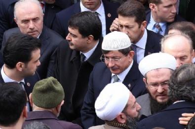 Davutoğlu, İsmail Ustaosmanoğlu'nun Cenazesine Katıldı