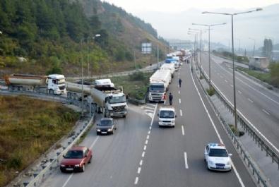 Sakaryada feci kaza: 3 ölü, 3 yaralı