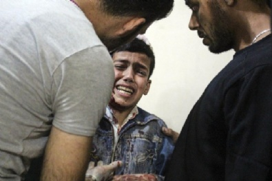 suriye - Esad Sivilleri Bombaladı