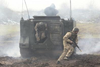 BOŞNAK - Bosna Hersek'te Silahlı Kuvvetler Günü