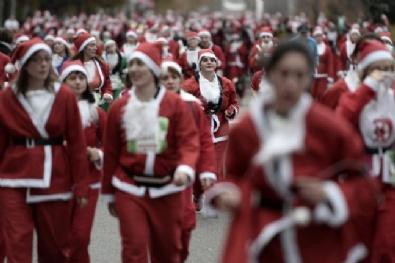 NOEL BABA - Madrid'de 10 Bin Noel Baba Koştu