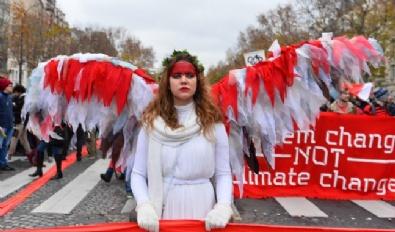Paris'te İklim Değişikliğine Karşı Gösteri