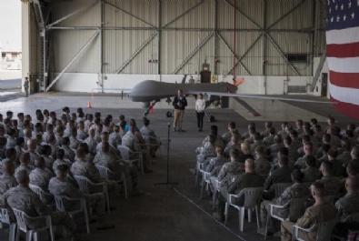 ABD Savunma Bakanı Carter İncirlik'de