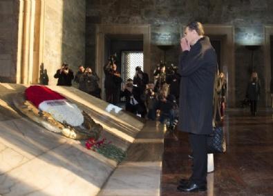Aziz Sancar Anıtkabir'i ziyaret etti
