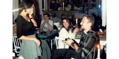 MERT GÜNOK - Sürpriz evlenme teklifi