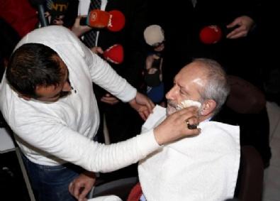 Kılıçdaroğlu, Ziyaret Ettiği Kuaför Salonunda Traş Oldu