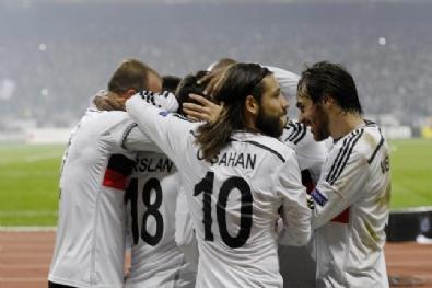 Beşiktaş - Liverpool Maçından En Güzel Fotoğraflar...