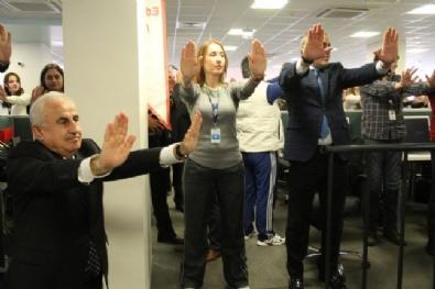 Vali Şahin, Alo 182 Çalışanlarıyla Egzersiz Yaptı