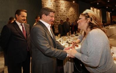 KANAAT ÖNDERLERİ - Kibariye Başbakan Davutoğlu'nu Çok Sevdi