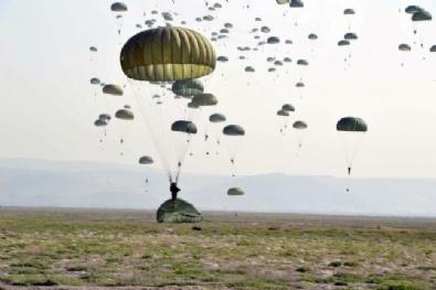 Komandolar, Havadaki Hünerlerini Sergiledi