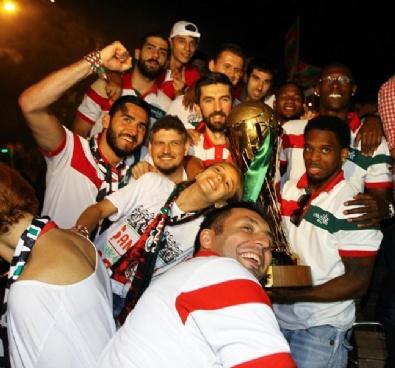 Karşıyaka Şampiyonluğu Kutladı