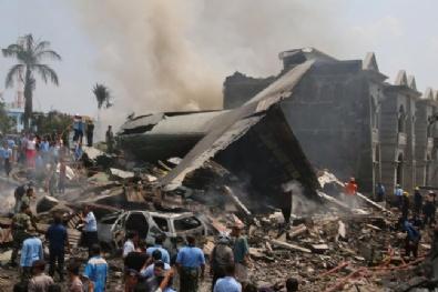 ENDONEZYA - Endonezya'da Askeri Uçak Düştü: 38 Ölü