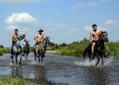 Atlara Dere Molası