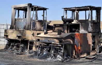 Erzurum'da Teröristler 8 Aracı Yaktı