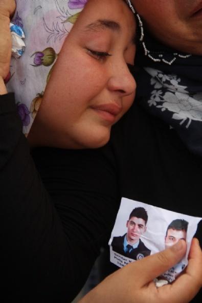 Şehit Polisler Gözyaşlarıyla Uğurlandı