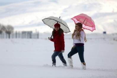 VAN GÖLÜ - Van Gölü'nde kış ayrı güzel