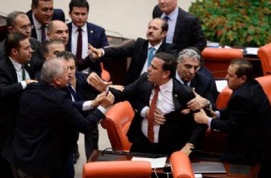 Meclis'te İstiklal Marşı Kavgası!