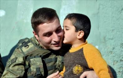 ŞEHİT POLİS - Mehmetçik Silopili Çocuklarla Maç Yaptı
