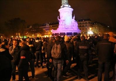 Fransız Polisinden Paris'te İzinsiz Gösteri