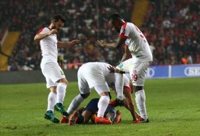 Antalyaspor - Fenerbahçe Karşılaşmasından En Güzel Fotoğraflar
