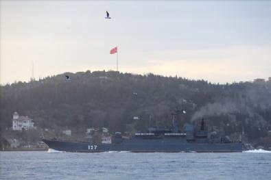 KARADENIZ - Rus askeri gemileri Boğaz'dan geçti