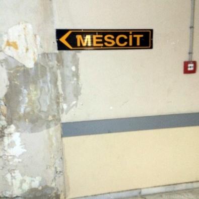 Ege Üniversitesi'nde Mescit Krizi