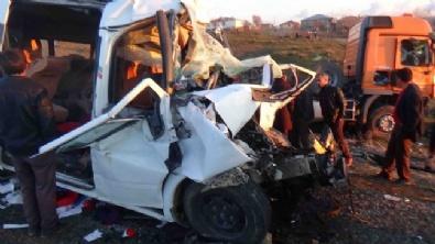 Diyarbakırda Korkunç Kaza: 7 Ölü 16 Yaralı