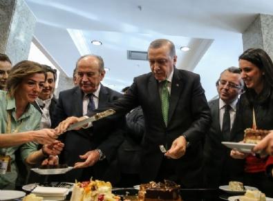 HALIÇ - Gazetecilerden Erdoğan'a doğum günü sürprizi