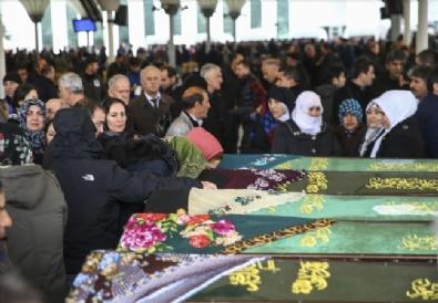 KARŞIYAKA - Alçak saldırıda ölenler toprağa verildi