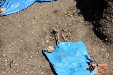 Amasra'daki Kazıda Bin Yıllık İnsan İskeletleri Bulundu