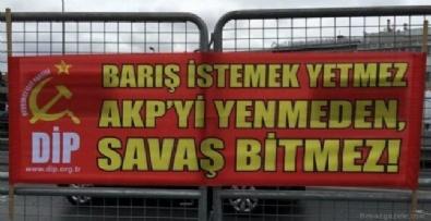 1 Mayıs eylemlerinde dikkat çeken nefret pankartları