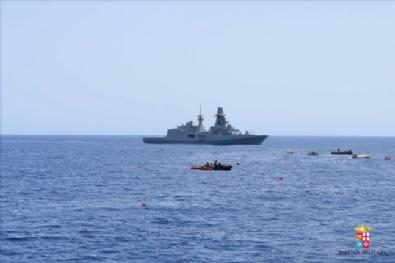 Akdeniz'de 500 Kaçak Kurtarıldı