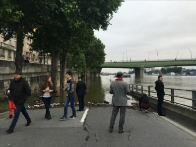 Fransa'da Sel: 4 Ölü 24 Yaralı