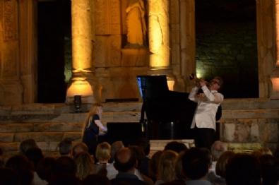 EFES - Sinemanın Büyülü Melodileri Celsus'da Yankılandı