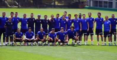 Fenerbahçe'de Antrenmanlara Başladı