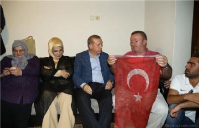 BORSA İSTANBUL - Cumhurbaşkanı Erdoğan'dan şehit ailesine ziyaret