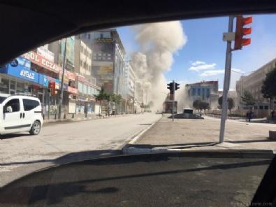 Van'da şiddetli patlama! İşte olay yerinden fotoğraflar