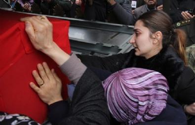 DEAŞ'ın Kaçırdığı Şehit Astsubayın Cenazesi Ana Ocağında