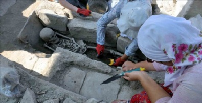 Gladyatörler Kentinde Bizans Mezarları Gün Yüzüne Çıktı