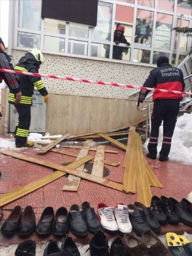 Konya'da Çatı Çöktü